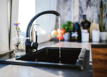 Bonus idrico contro gli sprechi: fino a 1000 euro per docce e rubinetti.